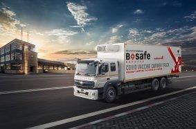 Daimler Trucks präsentiert Kühllastwagen von BharatBenz für die Impfstoffverteilung in Indien