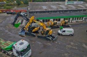 Blick auf die Schünke-Niederlassung in Rodgau, die ersten vier Hyundai-Kettenbagger sind angekommen und stehen für Miete und Kauf zur Verfügung Bild: HCEE/OBA