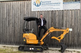 Für Daniel Wepper vereinfacht sich mit Digando.com die Baumaschinen-Disposition, auch für seine Kunden.  Foto: Wepper Baumaschinen.