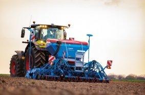 Die neue Solitair von LEMKEN mit Saatgut- und Düngerausbringung