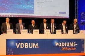 Experten-Talk: Die Podiumsdiskussion mit den führenden Köpfen der Baubranche, Umwelt- und Maschinentechnik läutet traditionell den Beginn des Fachprogramms des VDBUM-Seminars ein.