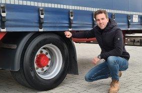 Alexander Göbel von der Spedition Rothermel hat den Reifen bereits auf zwei seiner Auflieger getestet.