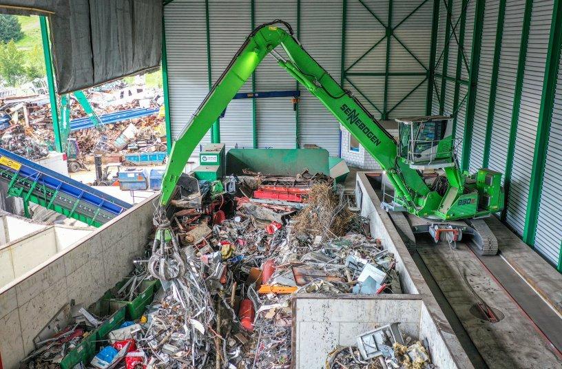 Schweizer Entsorgungsunternehmen Reinhard Recycling erweitert Fuhrpark mit drei weiteren SENNEBOGEN Maschinen