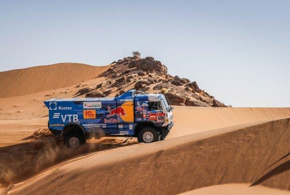 Der Wettbewerb gilt als die härteste Rallye der Welt und fordert mit seinen zahlreichen Schwierigkeiten entlang der Route Trucks wie auch Fahrer heraus. Foto: Clarios