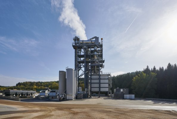 Die TBA 4000, (Transportable Benninghoven Asphaltmischanlage), universell einsetzbar, mit starker Anlagenperformance bis zu 320 t/h.
