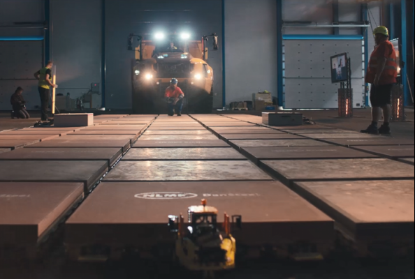 Könnten Sie einen 100 Tonnen schweren Volvo-Dumper nur mit LEGO® Technic™-Elementen ziehen?