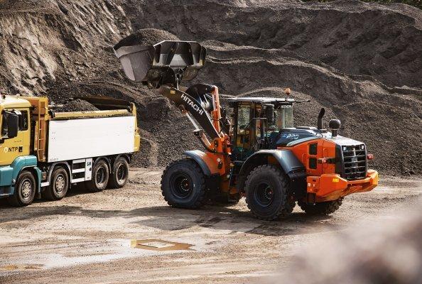 Ein höheres Drehmoment bei niedrigerer Motordrehzahl erhöht die Leistungsfähigkeit des ZW 220-7.