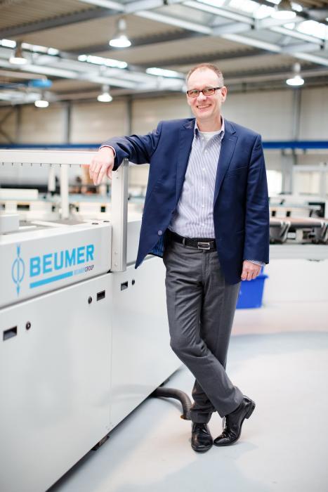 Dr. Christoph Beumer ist geschäftsführender Gesellschafter und Vorsitzender der Geschäftsführung der BEUMER Group mit Hauptsitz in Beckum. Er leitet das Familienunternehmen in der dritten Generation.