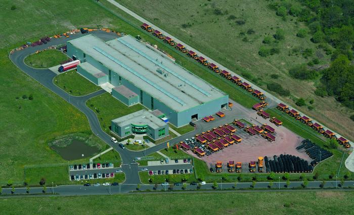 2003 wurde das Bell-Montagewerk in Eisenach eröffnet – 10 Hektar Gesamtareal bei bislang 6000 m² überbauter Produktionsfläche lassen Spielraum für Erweiterungen.