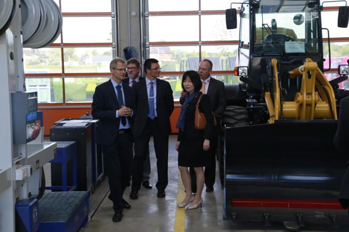 KUHN eröffnet neue Zentrale in Deutschland