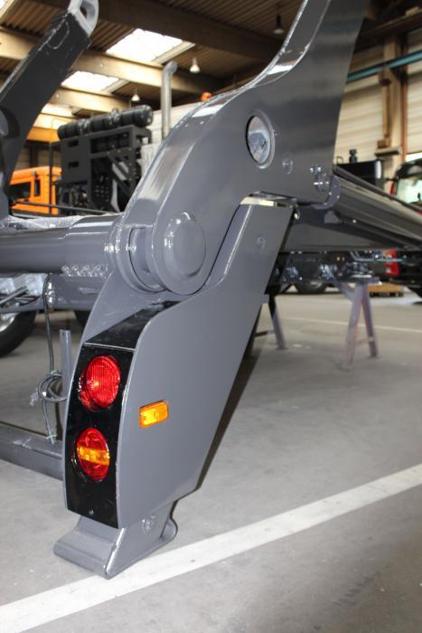 Die Heckleuchten sind im Stützfuß gut geschützt integriert. Das Gewicht konnte reduziert werden.