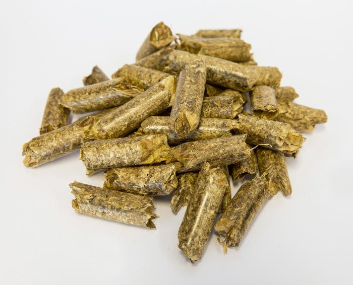 Pellets direkt auf Feld geerntet und pelletiert: Krone präsentiert weltweit ersten Pellet-Vollernter
