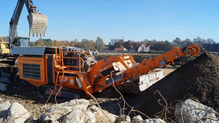 Fix Recycling ist spezialisiert auf den fachgerechten Abbruch von Gebäuden und  die Aufbereitung von Baurestmassen.