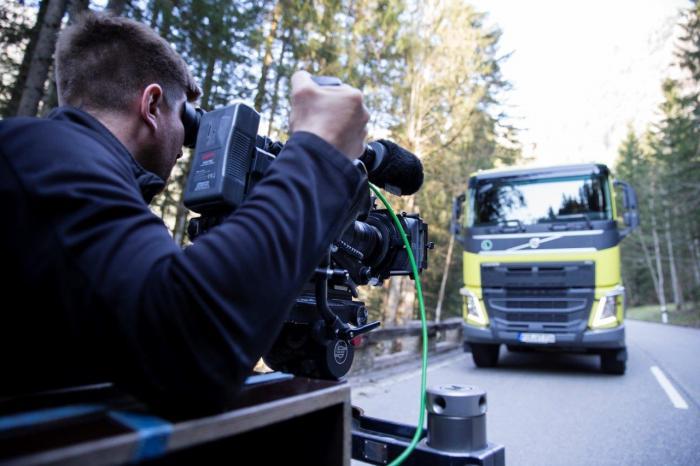 Der Film wurde von Volvo Trucks lokal in Deutschland produziert und soll auf die neue Bau-Demo-Flotte aufmerksam machen.