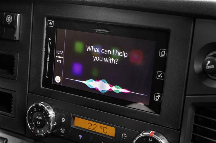 Weltpremiere bei Mercedes-Benz Lkw Trendsetter Mercedes-Benz Apple CarPlay und Android MirrorLink ab sofort auch im Lkw