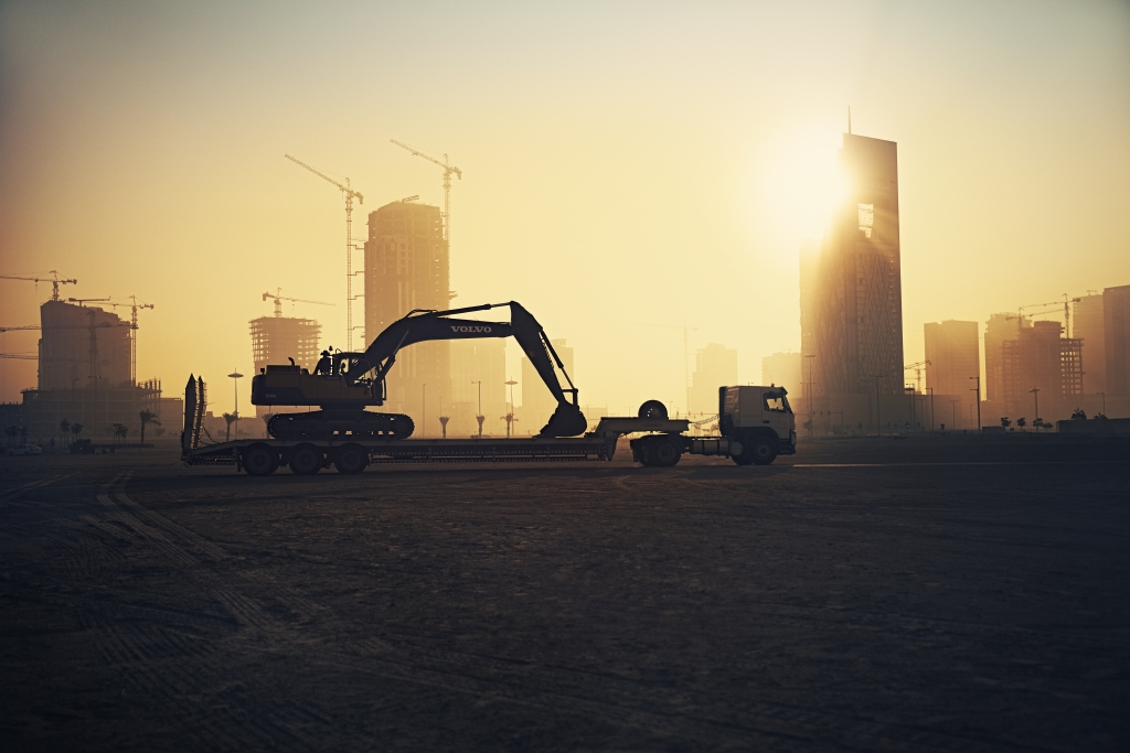 Volvo machines help to build a smart city in the desert