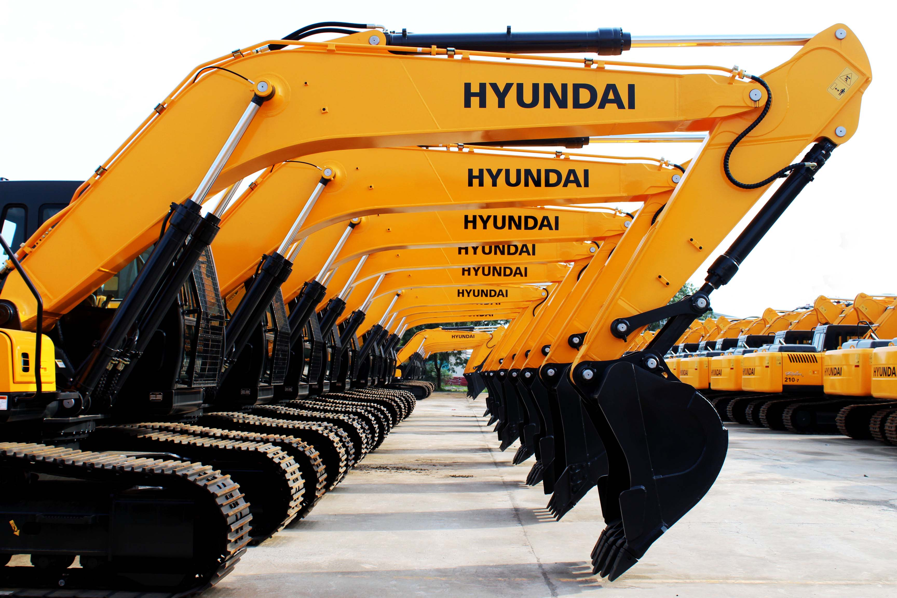 Hyundai Construction Equipment India Sales Up 45% in 2016
