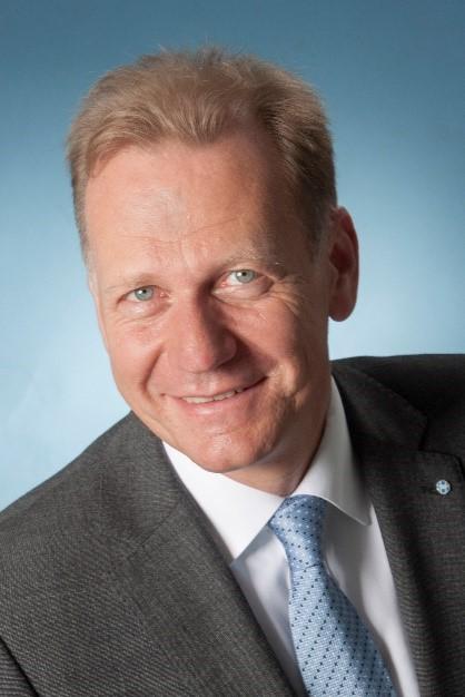 Dr. Michael Oelck