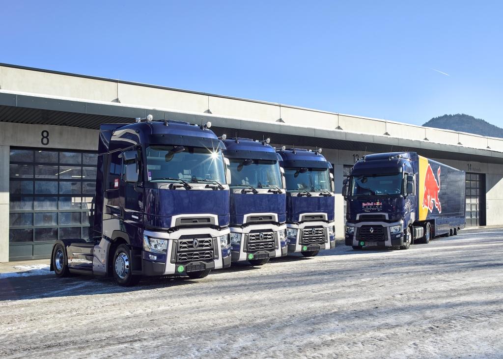 Weitere drei top ausgestattete Renault Trucks T 520 High sind seit Jahresbeginn für Red Bull quer durch Europa im Einsatz.