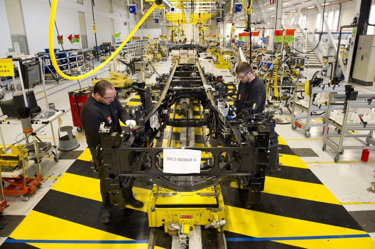 Renault trucks stellt 273 neue Mitarbeiter an den Produktions-Standorten in Frankreich ein