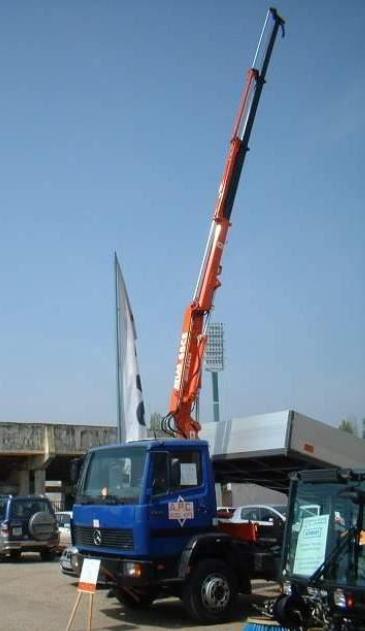 """AK 65CS A3L: Ein Kran aus dem Bereich der """"kleinen Ladekrane"""".Wir zeigen auf der Conexpo die Non-EU Version, ohne Elektrik / ohne Elektronik. Das A3L-Grundgerät kommt auf eine hydraulische Reichweite von 7,2 m, Tragkraft 730 kg."""