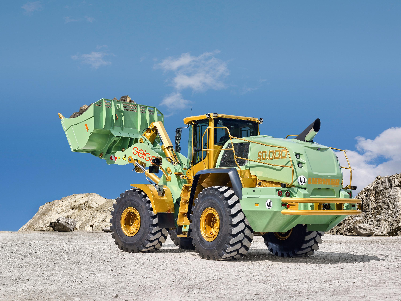 Die Geiger Unternehmensgruppe setzt den 50.000. Liebherr-Radlader für Gewinnungszwecke in einem Steinbruch in Wertach (Süddeutschland) ein.
