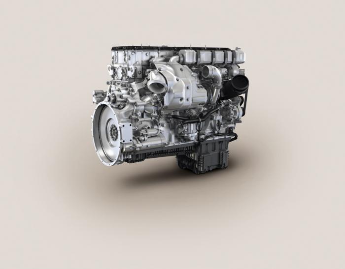 Die Sechszylinder-Reihenmotoren der MTU-Baureihe 1500 decken einen Leistungsbereich von 400 bis 460 kW ab. Diese Motoren sind speziell für Off-Highway-Anwendungen im Bau-, Industrie- und Agrarbereich entwickelt worden und basieren auf Nutzfahrzeugmotoren von Daimler. Die extrem niedrigen Stickoxid- und Partikelgrenzwerte der EU-Stufe IV und EPA Tier 4 erfüllen sie mit einer SCR-Abgasnachbehandlung. Einen Dieselpartikelfilter benötigen diese Motoren nicht. Abgebildet: 6R 1500 C