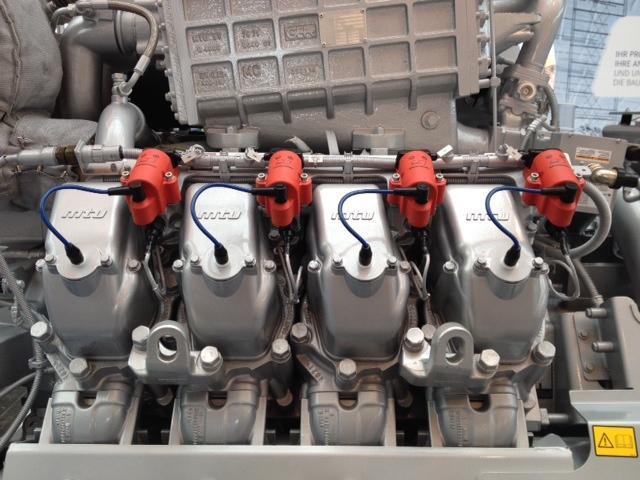 Mit der 8-Zylinderversion komplettiert MTU Onsite Energy das Portfolio der verfügbaren Zylindervarianten der effizienz- und leistungsgesteigerten Erdgasmotoren der MTU-Baureihe 4000: Die 12-, 16- und 20-Zylinder-Erdgasmotoren vom Typ L64 wurden seit April 2014 sukzessive in den Markt eingeführt und in dezentralen Energiesystemen verbaut. Der Motor wird der Öffentlichkeit zum ersten Mal auf der Hannover Messe vorgestellt.