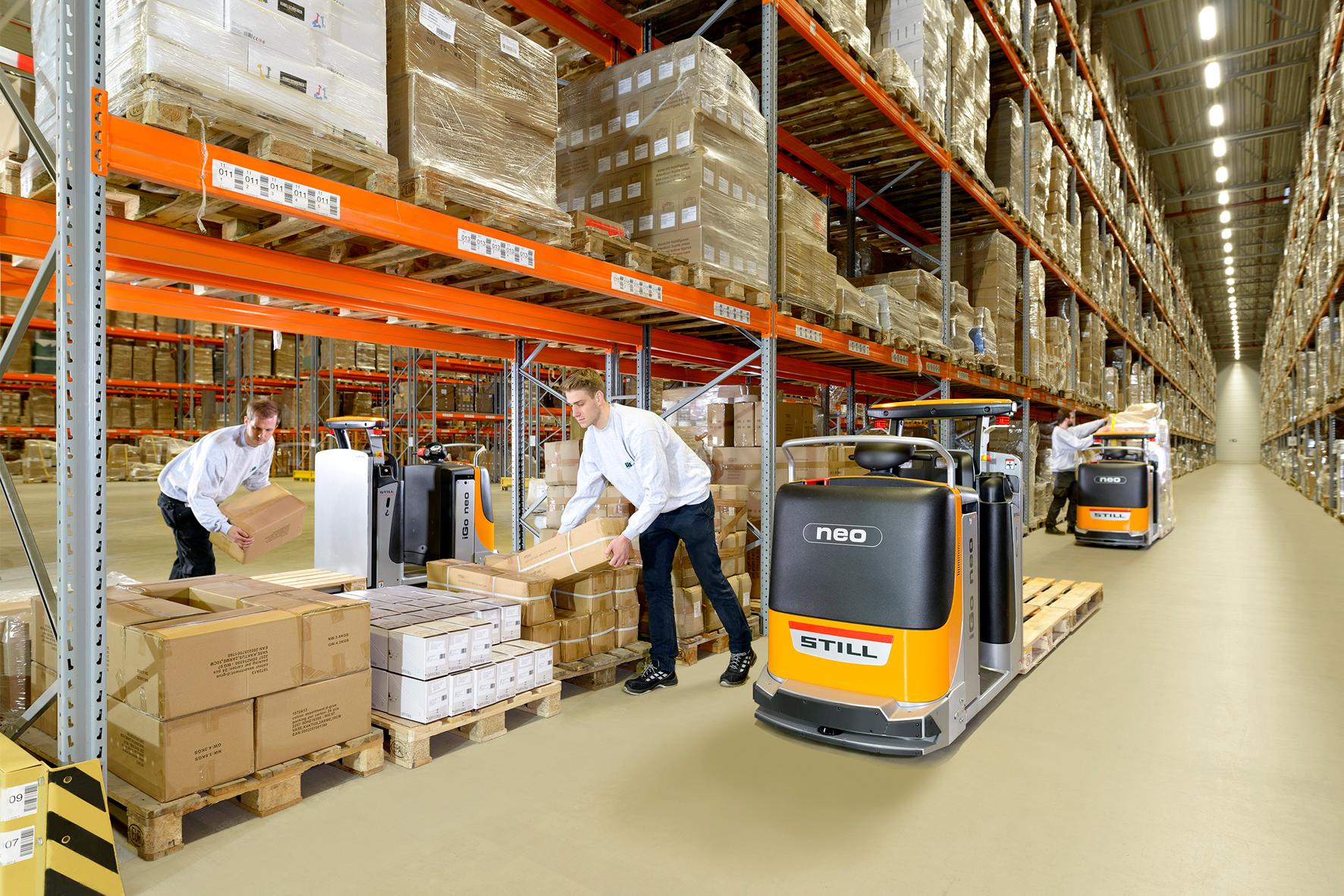 Der STILL iGo neo CX 20 ist bei der Kommissionierung der Waren im Kommissionierlager der L.I.T Lager & Logistik eine feste Planungsgröße für mittlere und große Kommissionieraufträge.