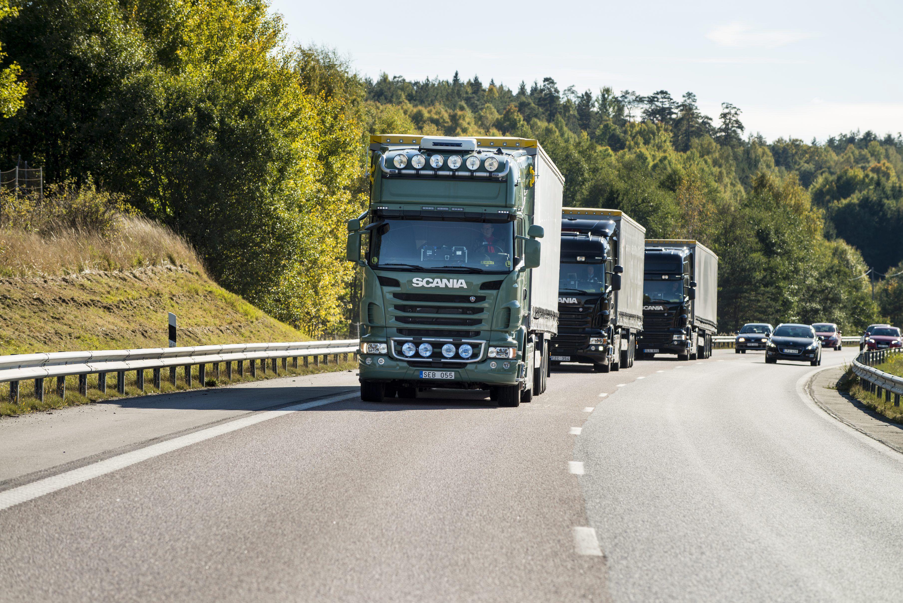 Scania übernimmt Vorreiterrolle bei vollständig autonom fahrenden Lkw im Platooning