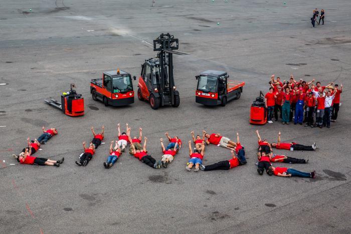 Ein Gruß des ehrenamtlichen Logistik-Teams der Formula Student Germany an Linde Material Handling im vergangenen Jahr.