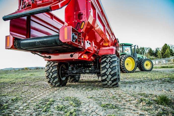 Crop Cart производства Spudnik: Многофункциональный прицеп-перегрузчик для полевых культур