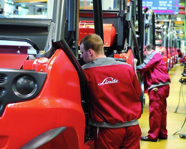 Neufahrzeuge von Linde: Profitieren Sie von bewährter Technik, höchster Qualität und innovativen Lösungen bis ins Detail.