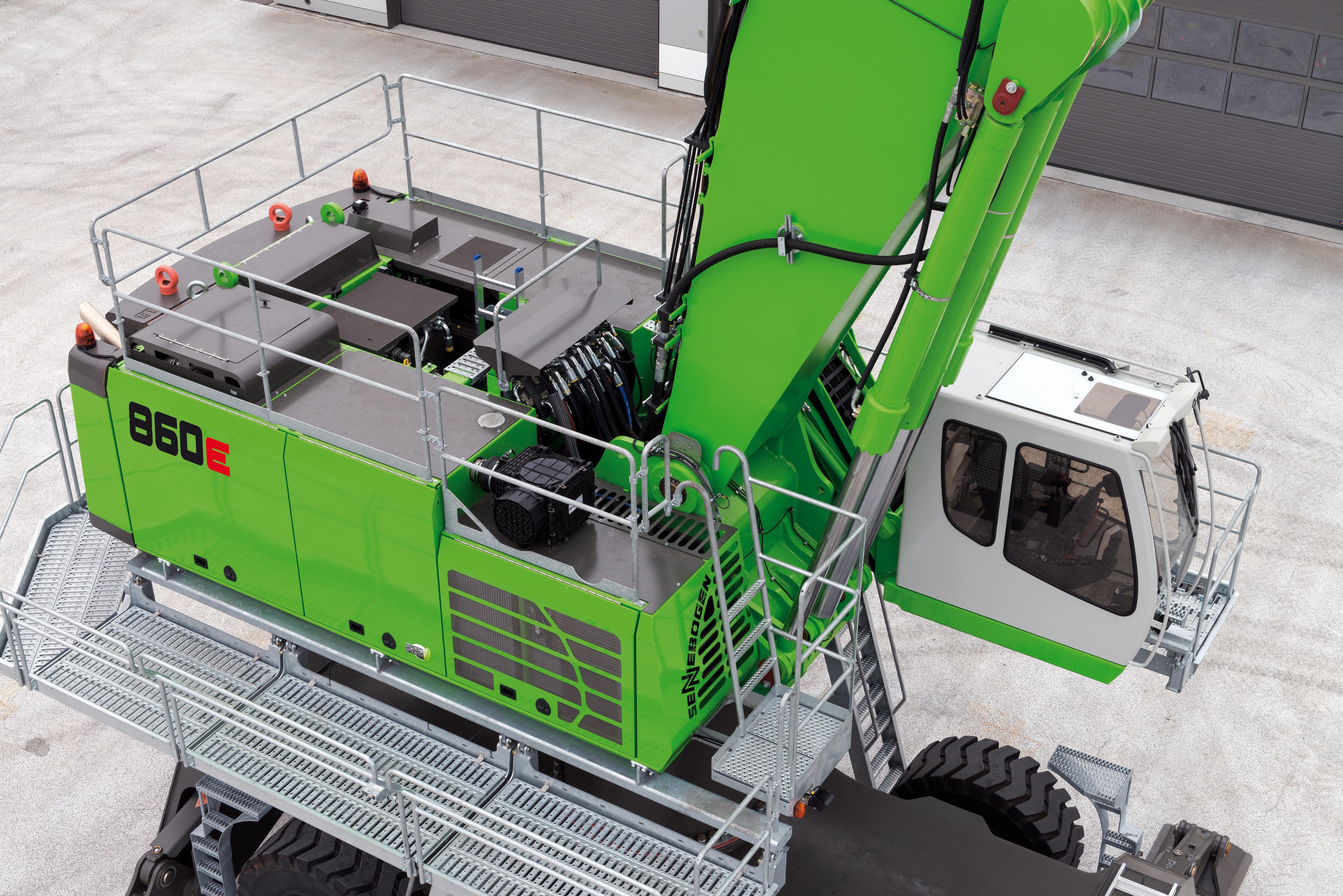 SENNEBOGEN bringt mit dem neuen 860 E einen Umschlagbagger speziell für den Schrottumschlag und Hafeneinsatz mit Reichweiten bis 23 m und zahlreichen Ausstattungsvarianten.