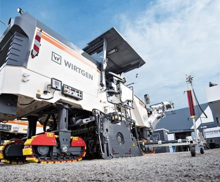 Compact machines are in a class of their own. The entire machine range – encompassing the W 100 CF/W 100 CFi, W 120 CF/W 120 CFi, W 130 CF/W 130 CFi and W 150 CF/W 150 CFi – deliver on performance and economic efficiency.