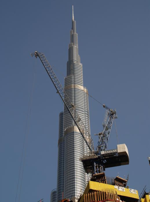 Kran mit Wippausleger LCL280 von Linden Comansa in Dubai.