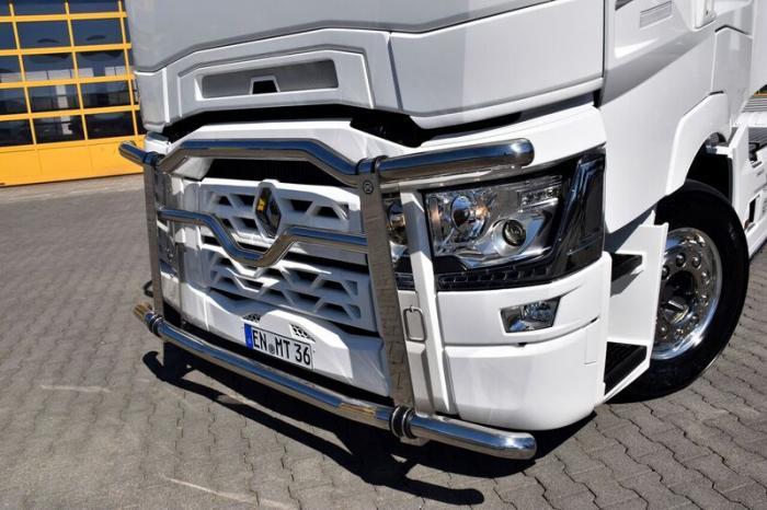 Verschiedeneste Edelstahlzubehör-Teiler von HS-Schoch bringen den Truck zusätzlich zum glänzen