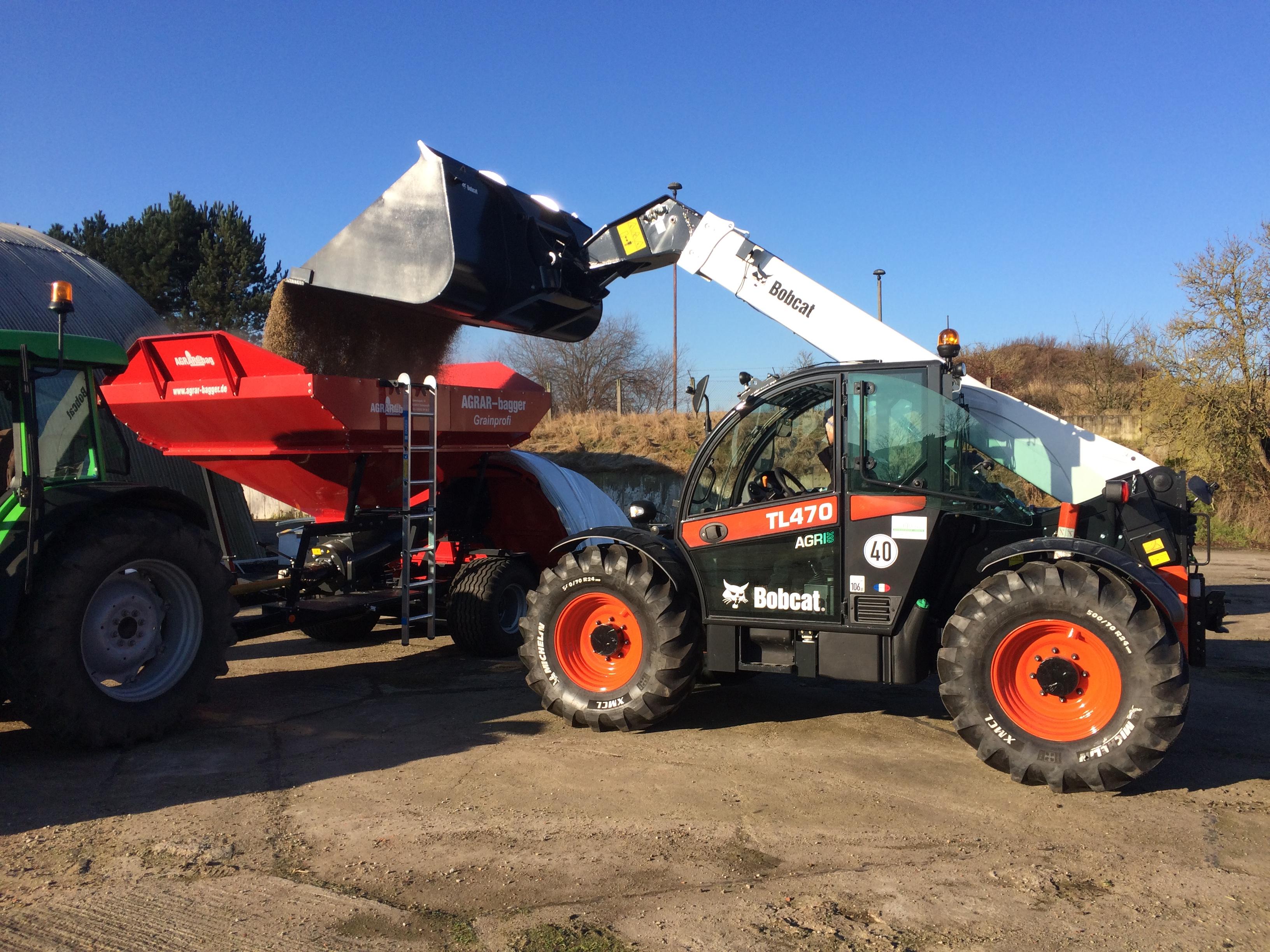 Der Bobcat TL470HF Agri ist speziell für landwirtschaftliche Einsätze ausgestattet.