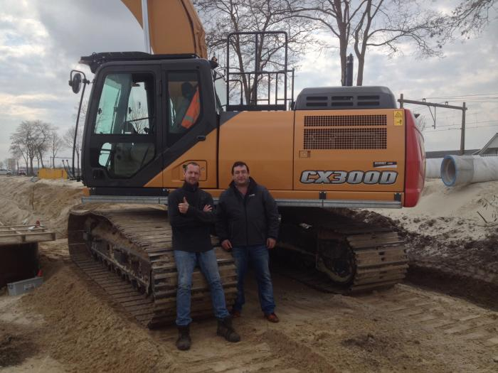 Holland: a new industrial area, three CASE excavators at work