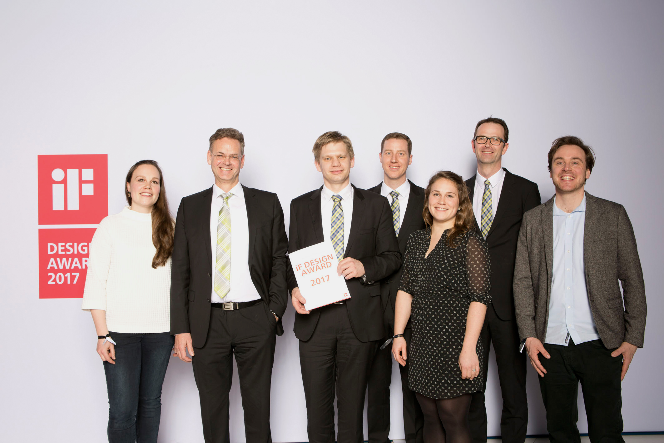 The JAGUAR 900 won an IF Design Award in the 'Product' category; from left: Lia Budde (Manager, Budde Industrie Design), Michael Kohlem (Development Manager, CLAAS Selbstfahrende Erntemaschinen GmbH), Dirk Lahmann (Project Manager, JAGUAR), Dominik Kockentiedt (Developer, JAGUAR), Maike Budde (Designer, Budde Industrie Design), Alexander Kirchbeck (Project Manager, JAGUAR), Patrick Ehlers (Designer, Budde Industrie Design).