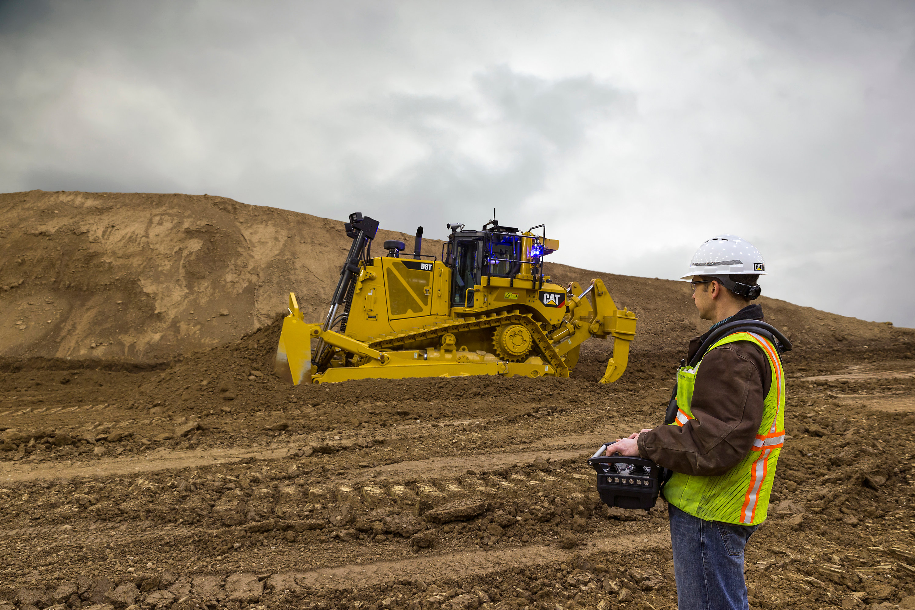 Cat® Command For Dozing Offers Efficient And Safe Remote Operation of D8T Dozer