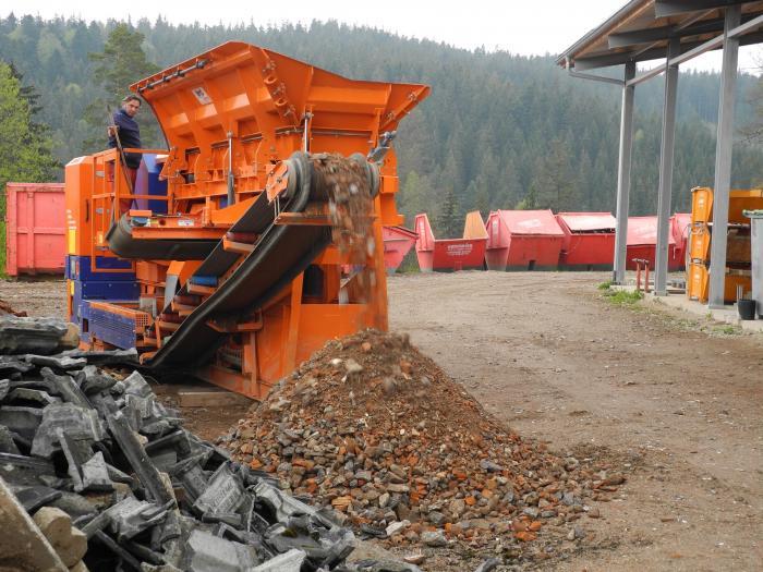 Die Brecheranlage BMD RA 700/6 leistet bei kontinuierlichem Einsatz eine Tagestonnage von 500 Tonnen