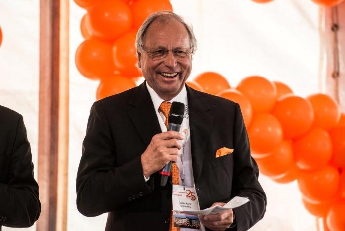Günter Kuhn begrüßte die zahlreichen Gäste