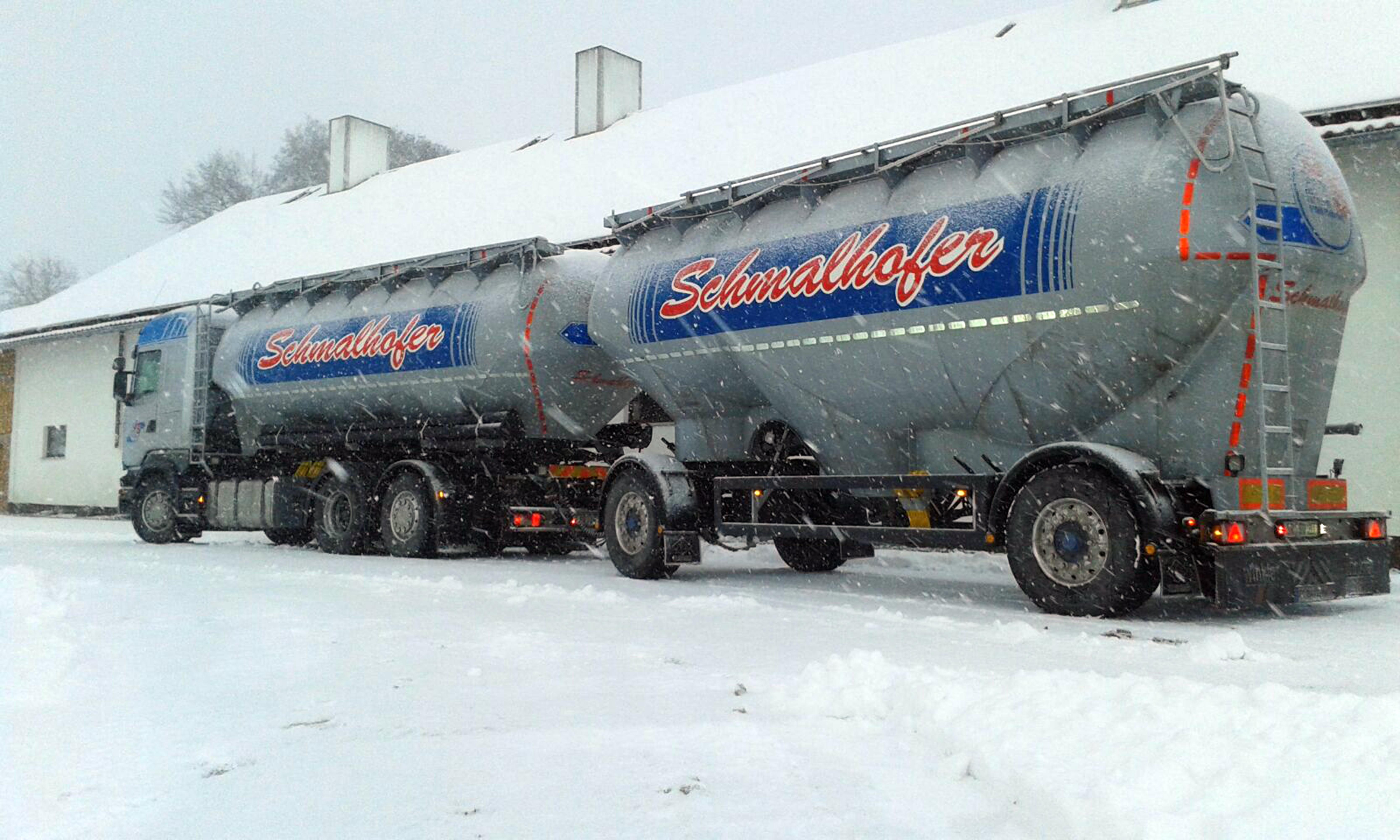 Der Antriebsachsreifen der Serie erfüllt selbst in halb abgefahrenem Zustand noch die Kriterien für die Schneeflockenmarkierung (3PMSF).