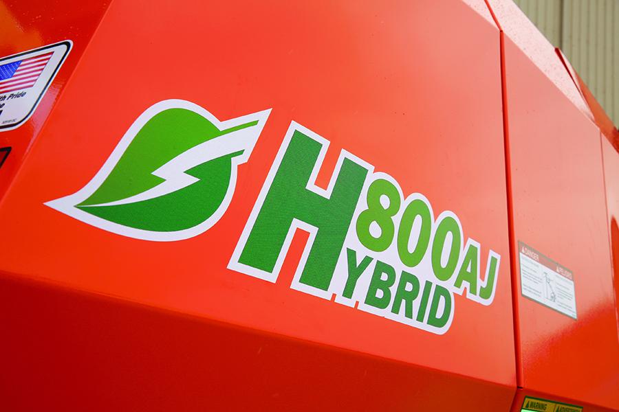 JLG H800AJ articulating boom lift
