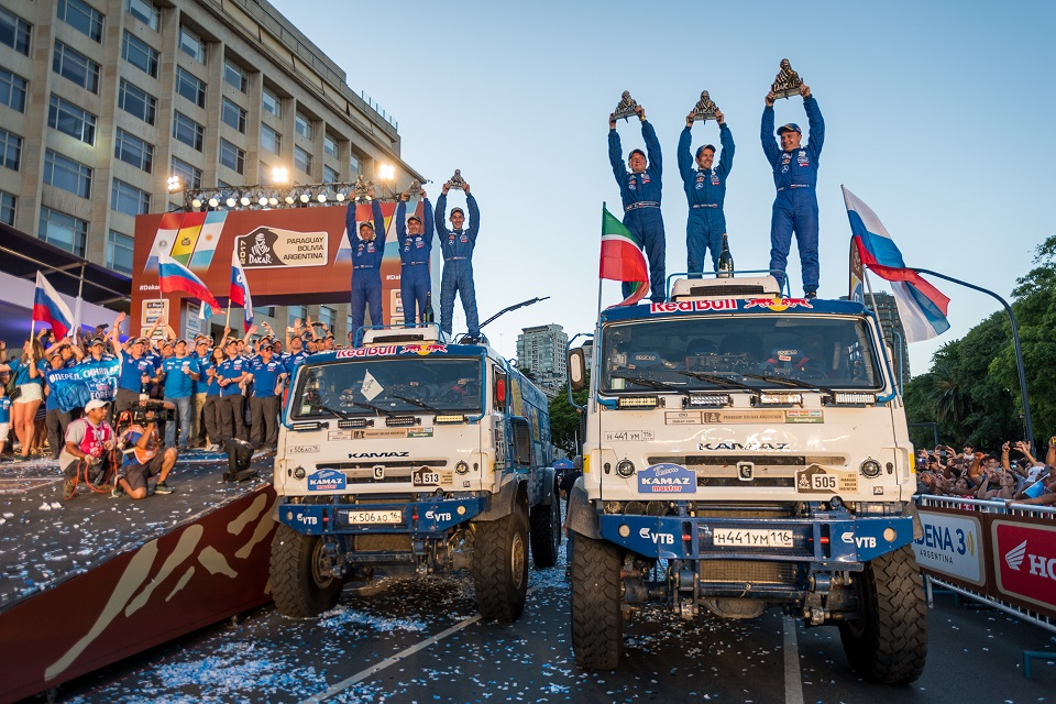 Continental Reifen haben Andrey Karginov's Team erfolgreich zum Sieg geführt und das Team von Sergey Kuprianov auf Platz 4 gebracht.