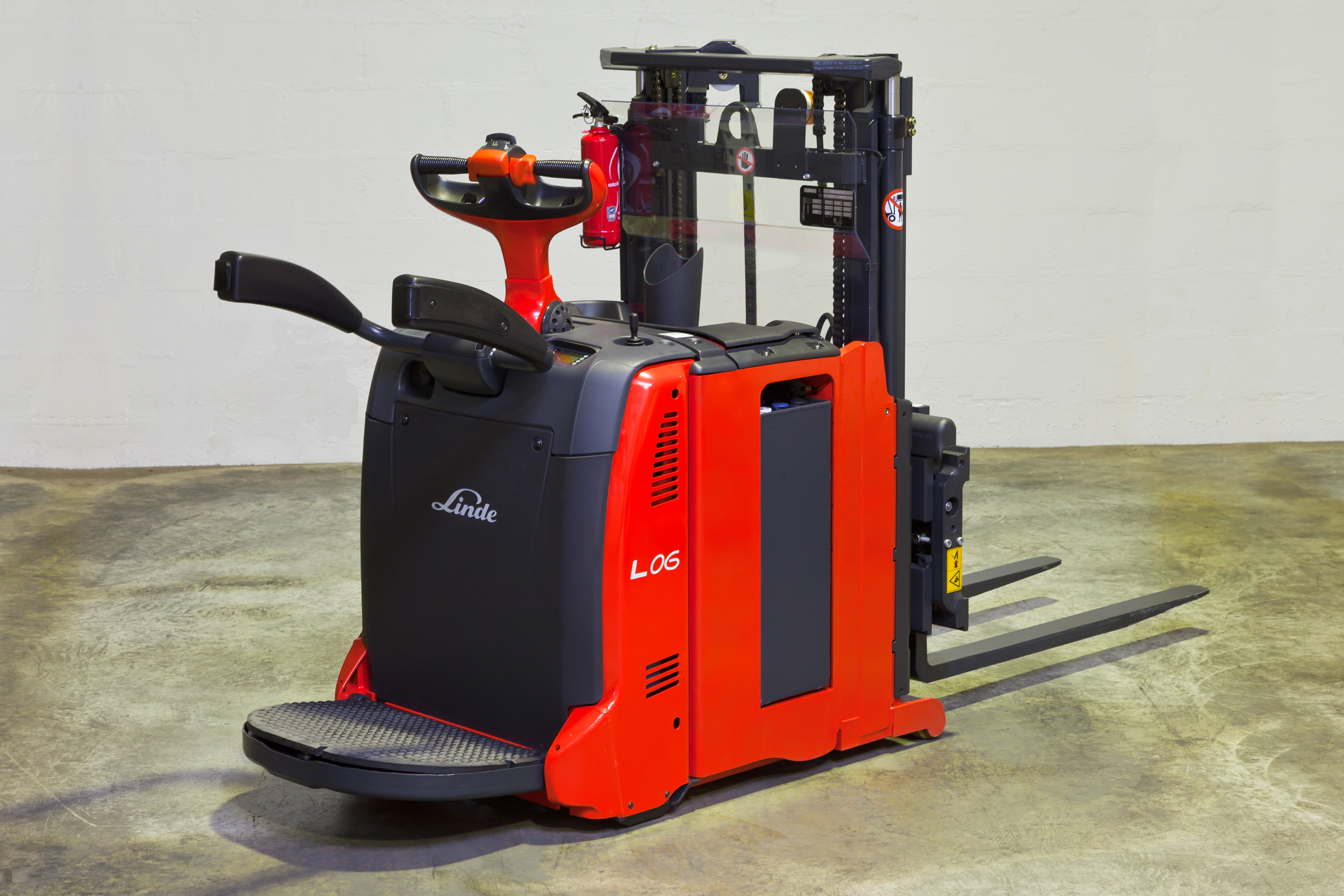 Von der Einzellösung zum Serienprodukt – der L06 Hochhubwagen. Foto: Linde Material Handling GmbH, Aschaffenburg.
