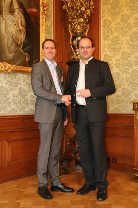 Bester Händler Österreich: Lagerhaus TechnikCenter. Rechts: Franz Waxxenegger von LTC, links: Peter Wildemann