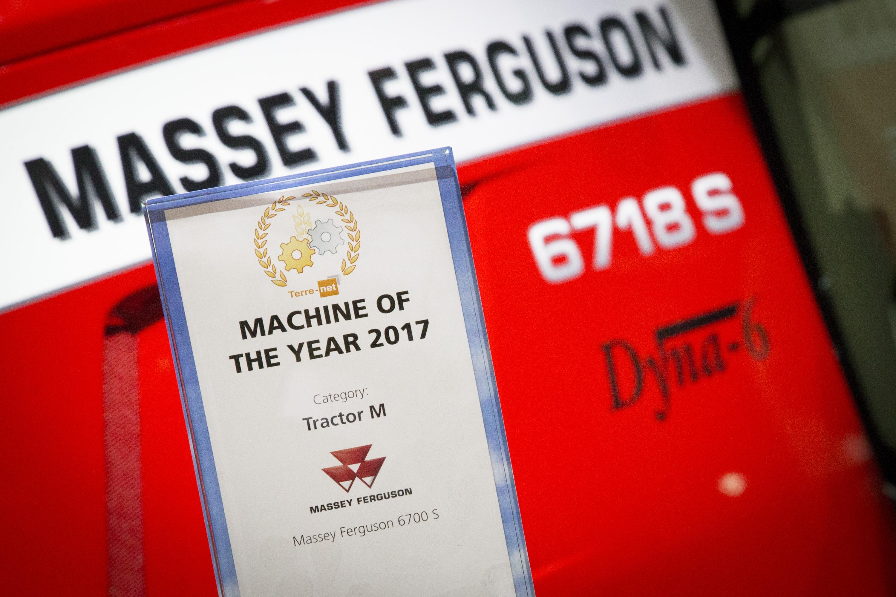 MF 6718S - MACHINE OF THE YEAR - SIMA2017