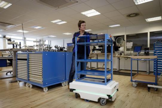 Mobile Industrial Robots MiR100